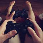 Jogando vídeo game