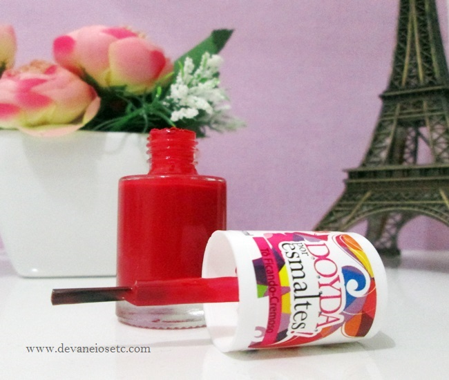 aberto doyda por esmaltes cor to ficando vermelho cremoso