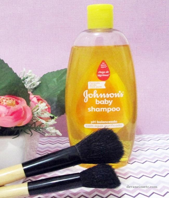 Como lavar o pincel de maquiagem shampoo johnsons devaneios etc por pris moraes