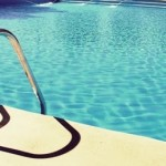 Verão, piscina e … atenção!